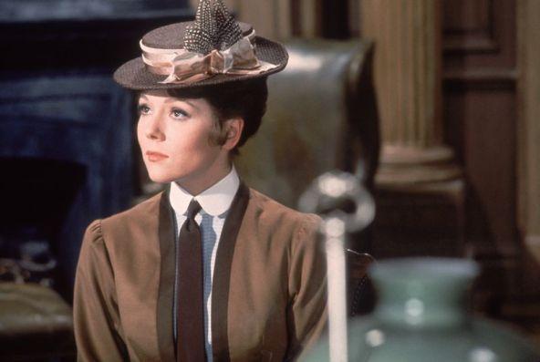 Miss Winter - tilt/ perch hat