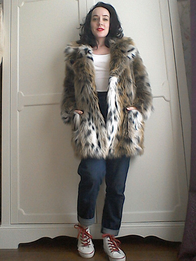 How To Wear Faux Fur Now The Girl Loves Vintage