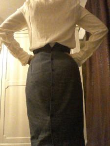Button back Eighties high waisted pencil skirt