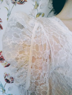 Vintage Thirties lace wedding dress sleeve