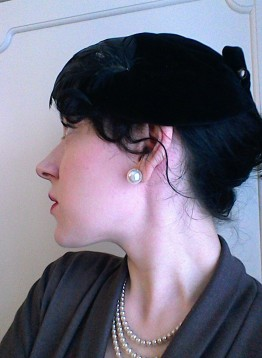 Vintage fifties velvet and feather hat