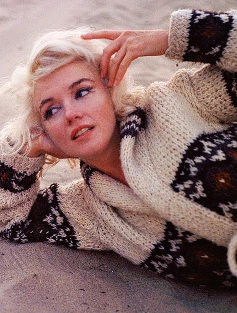 Marilyn Monroe cardigan