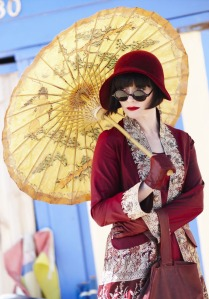 Miss Fisher - red cloche