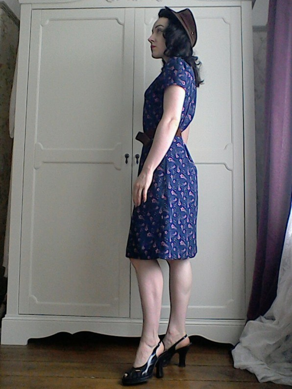 Forties style dress platform shoes and brown hat - side