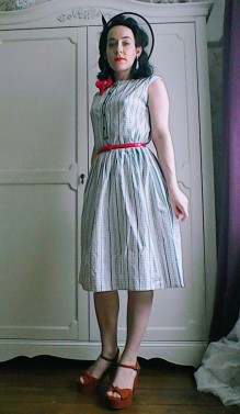 Forties style summer outfit platform shoes and hat