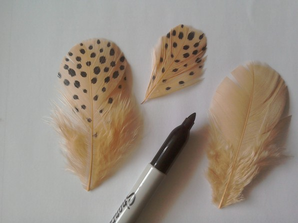 Making plain feathers spotty